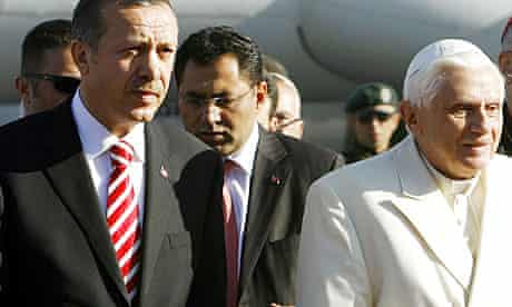 Pope Benedict XVI received by Turkish prime minister in Ankara in 2006