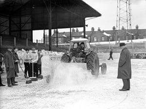 1962 Winter Freeze: Soccer - FA Cup - Third Round - Leyton Orient v Hull City