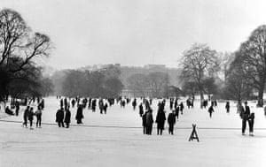 1962 Winter Freeze: A frozen St.James's Park Lake