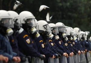 Riots in Athens: Riot policemen stand guard in front of the parliament in central Athens