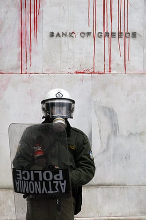 Riots in Athens: Protest against the governments austerity measures