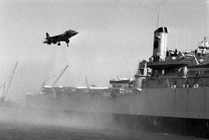 Harrier Jets Cuts: Harrier lands on HMS Fearless