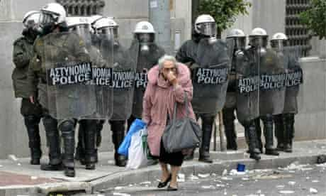 Riot police called out during general strike in Athens
