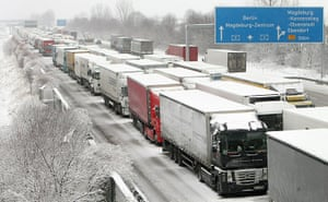 Winter Weather Europe: Trucks are stuck on a snowy motorway near Ebendorf, northern Germany