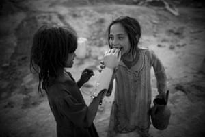 UNICEF Photo of the Year : Afghanistan: The devastating consequences of civil wars