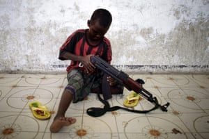 UNICEF Photo of the Year : Somalia: Children in arms