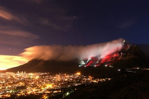 24 hours in pictures: Cape Town Turns RED For World AIDS Day