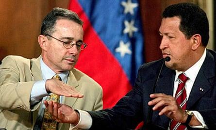 Álvaro Uribe and Hugo Chávez at Miraflores Palace on 15 February 2010