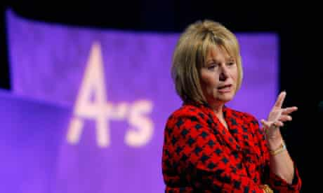 Yahoo CEO Carol Bartz talks to conference audience in San Francisco