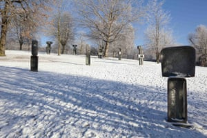 Yorkshire Sculpture Park: Barbara Hepworth sculptures, Family of Man