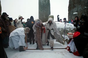 Winter Solstice: Druids conduct a sunrise service at stonehenge