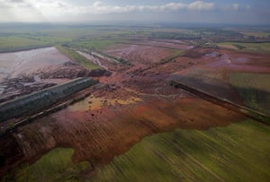 2010 year in environment2: red mud of an alumina factory