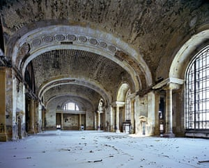 Ruins of Detroit: Waiting hall, Michigan Central Station