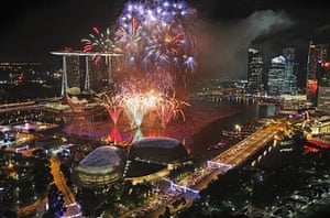 New Years: Fireworks explode above Singapore's financial district