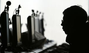 China is building up a cyber warfare capability by recruiting hackers, the US fears.