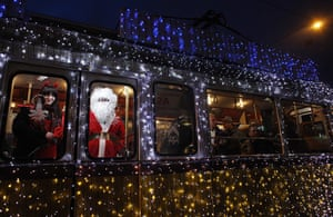 24 Hours: A man dressed as Santa Claus in a tram in Budapest