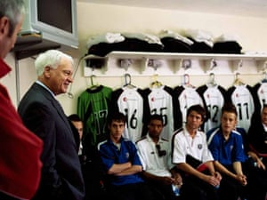 Cradle of the Game: Bobby Robson 'In the dressing-room'