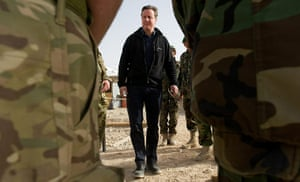 Cameron in Afghanistan : David Cameron speaks with Afghan National Army soldiers