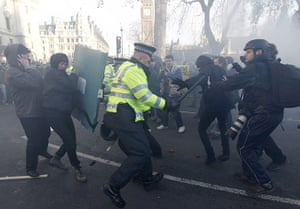 student protest update: Police officers scuffle with demonstrators during a student protest London