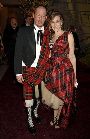 Alexander McQueen: 2006:  Alexander McQueen and Sarah Jessica Parker Anglomania