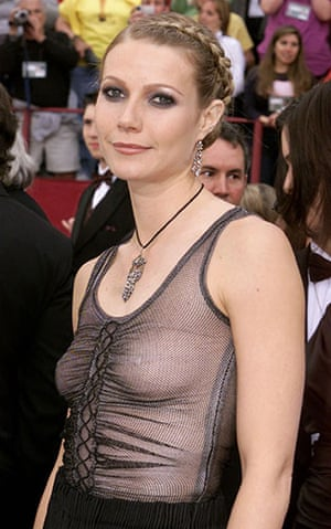 Alexander McQueen: 2002: Actress Gwyneth Paltrow at the 74th Academy AwardsAlexander McQueen