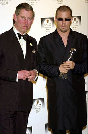 Alexander McQueen: 2001: Prince Charles and Alexander McQueen At The British Fashion Awards