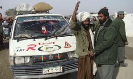 afghan-marjah-fleeing-civilians