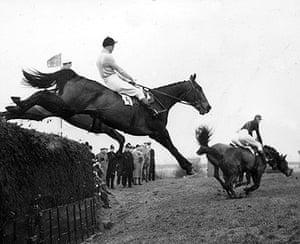 Dick Francis: 1956: Dick Francis jumping Devon Loch