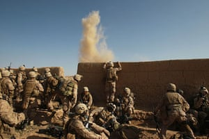 Operation Moshtarak : US Marines react as an improvised explosive device is found