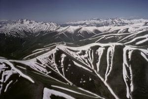 Tajikistan Climate: The large Pamir mountain system in Tajikistan