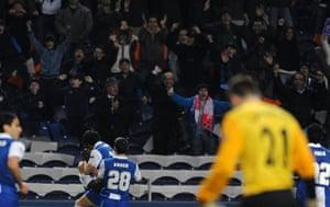 Wed Champions League: Varela and team-mates celebrate