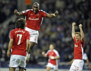 Wed Champions League: Sol Campbell celebrates scoring for Arsenal