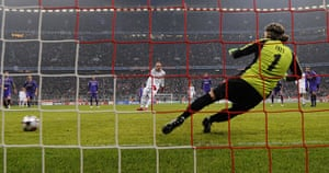 Wed Champions League: Arjen Robben opens the scoring against Fiorentina