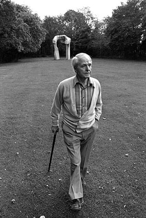 Henry Moore: Henry Moore in his garden at Perry Green, Hertfordshire