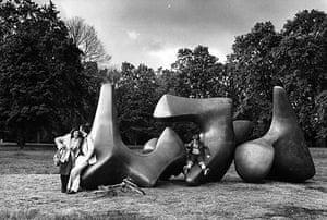 Henry Moore: Henry Moore, Vertebrae (1968-1969)