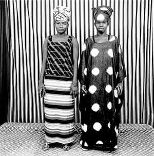 Malick Sidibé Gallery: Cousins, 1975