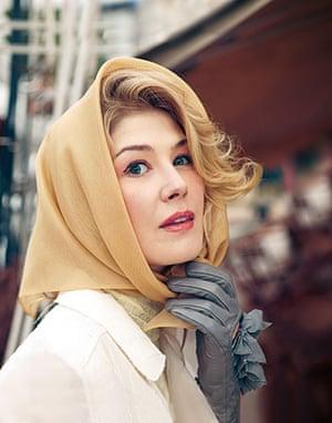 The Grace Kelly look: Grace Kelly look: silk headscarf