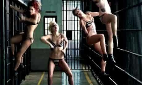 Lady Gaga Telephone 6