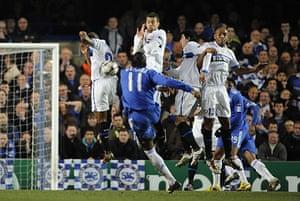 Chelsea v Inter: Drogba's free-kick hits the Inter wall