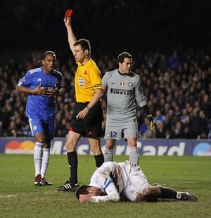 Chelsea v Inter: Drogba is sent off after fouling Motta