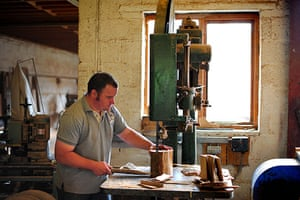 Disappearing Acts: The process of making a wooden carriage wheel at Mike Rowland Wheelwright