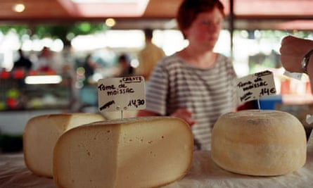 France is cheesed off with survey findings that Britons spend more time in the kitchen