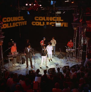 Paul Weller Timeline: The Council Collective appearing on The Tube