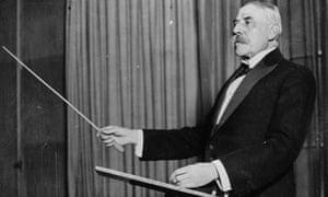 Elgar Conducts