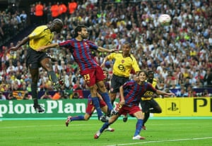 06 Champions League Final: Sol Campbell of Arsenal scores the first goal