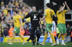 Norwich v Leeds: Norwich manager Paul Lambert celebrates with his players