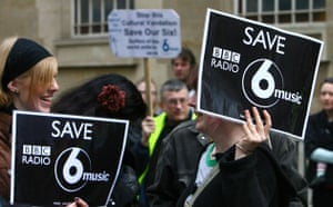 Save 6 Music protest: 6 Music fans hold up placards