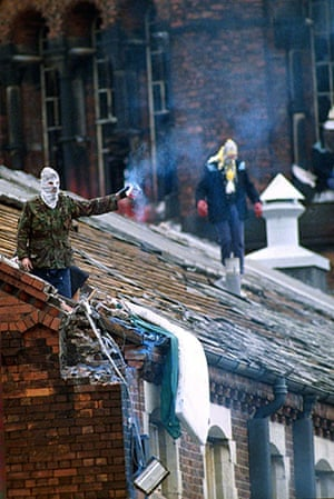 Gallery Strangeways Prison Riot 1990 Society The Guardian