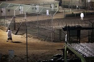 Guantanamo Bay: Guantanamo detainees wake up at night and exersise