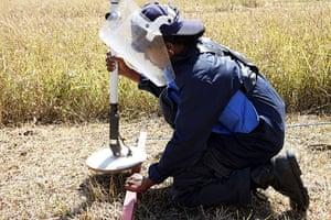 landmines: clearing landmines sri lanka